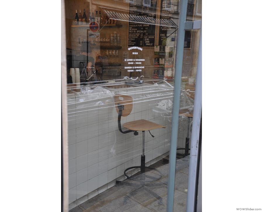 The takeaway bar, as seen through the front window.