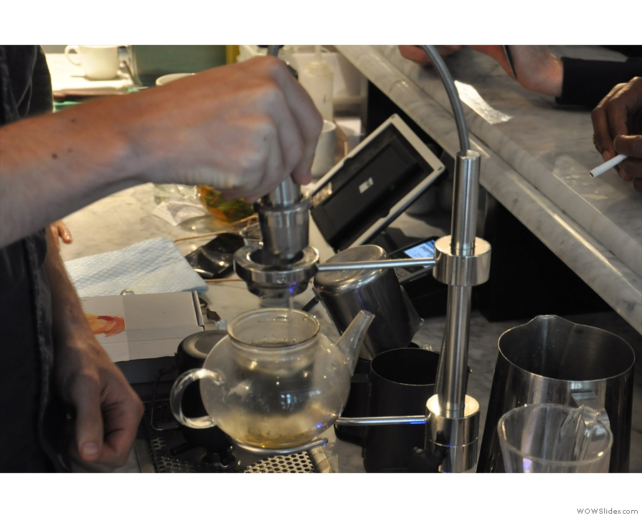However, it's not just filter coffee. The Modbar can do tea as well.