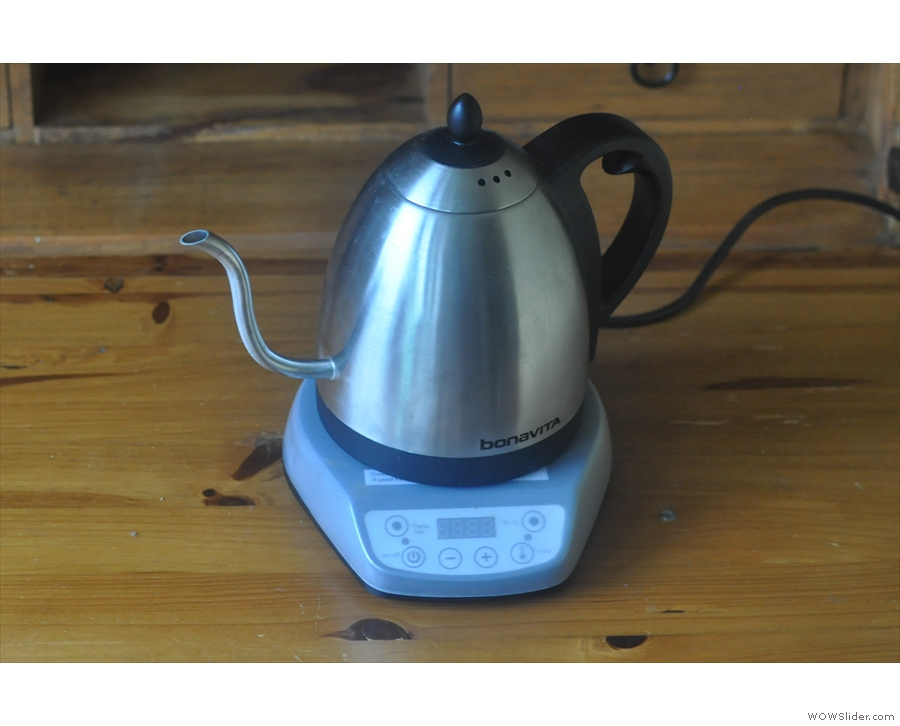 My new Bonativa gooseneck pouring kettle, plugged in and ready for action.