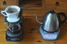 Between pours I put the kettle back on the stand (and remember to switch it on!).