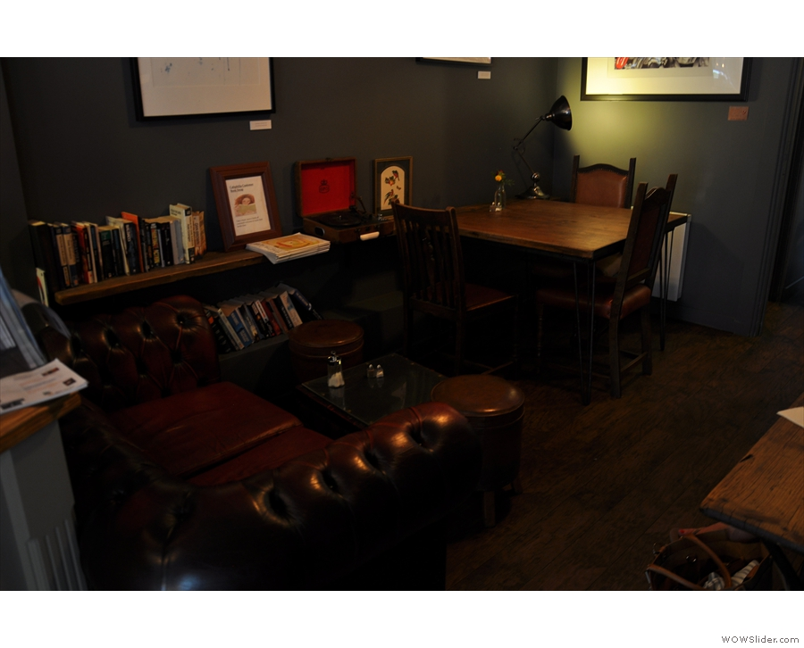 ... and then a cosy section, right at the back, at the top of the L. This is the natural light level.