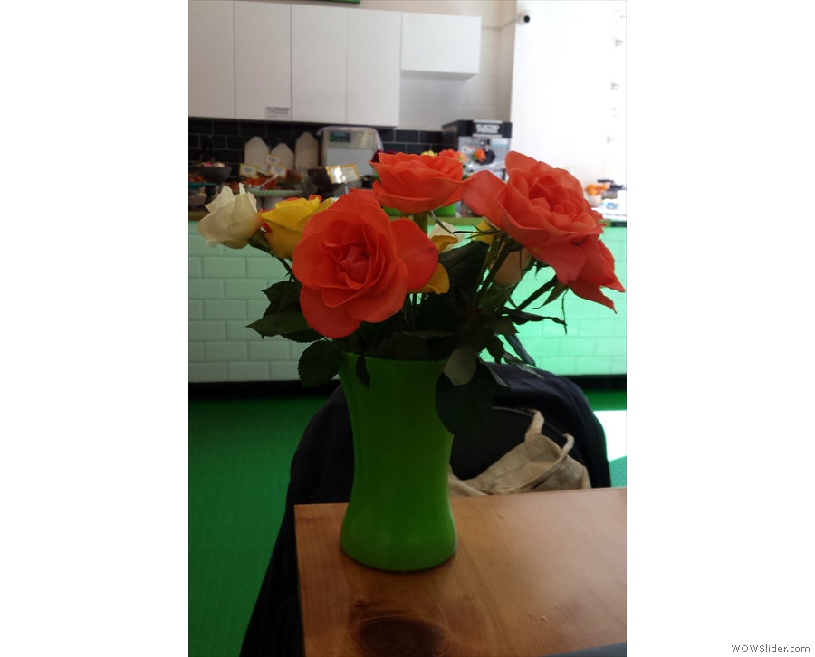 One of the (many) nice things about Beany Green: fresh flowers on the tables.