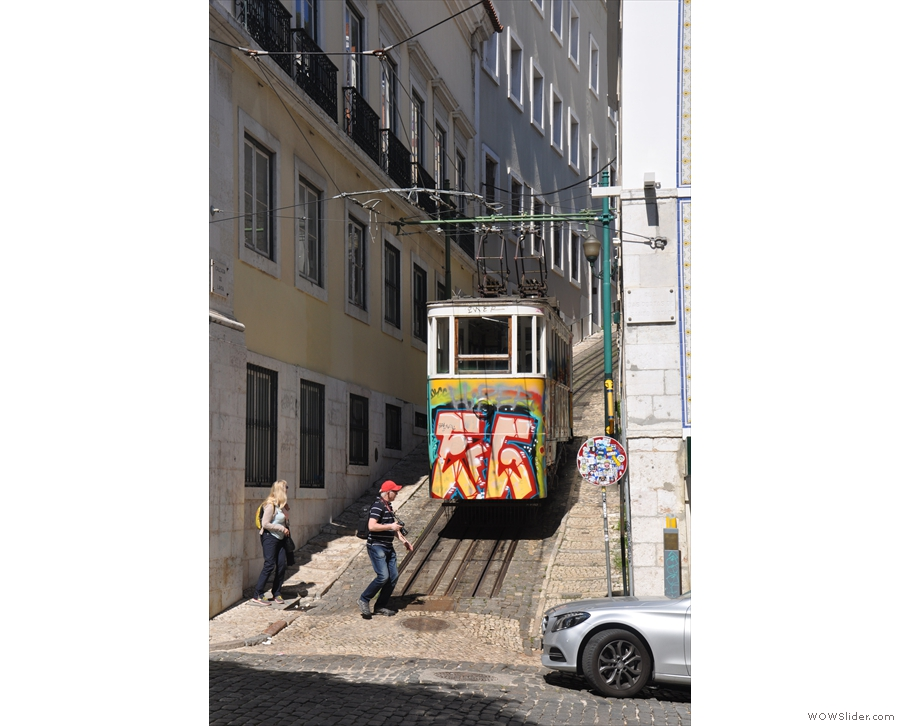 Not that this is anything to do with Fabrica, except that it's just up the street and shows just how steep/hilly Lisbon actually is.