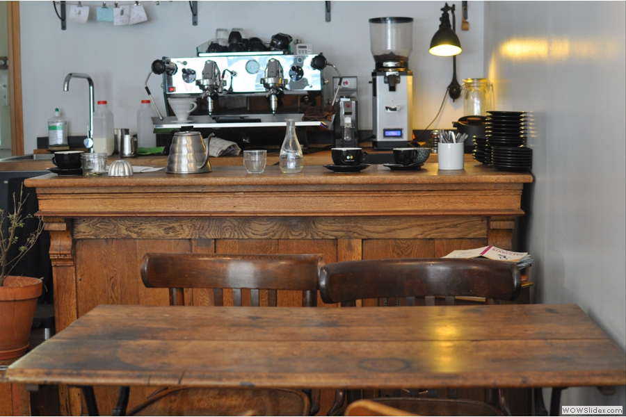 Black Market, another recent entrant to the Paris coffee scene and perhaps my favourite, serving third-wave coffee with a French twist.