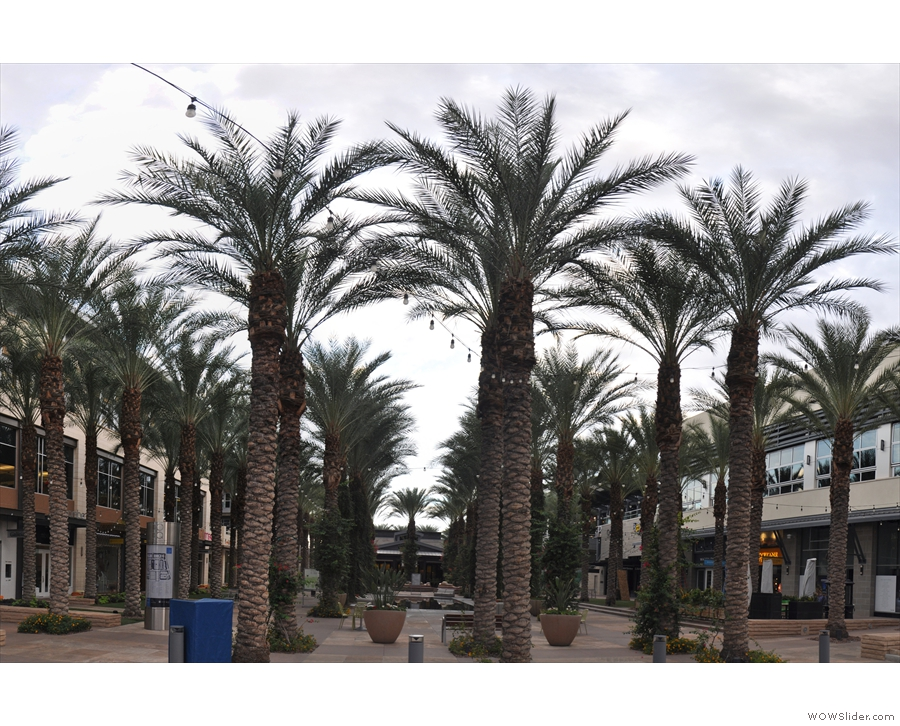 I'll leave you with some shots of the Scottsdale Quarter itself...
