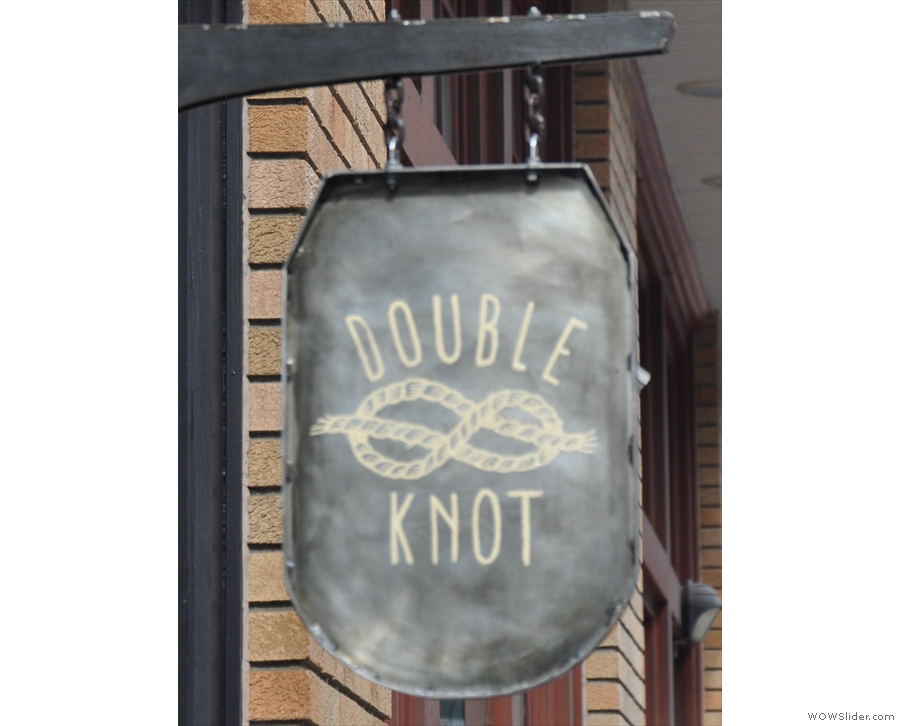Double Knot is a coffee shop which has a sushi restaurant in the basement. As you do.