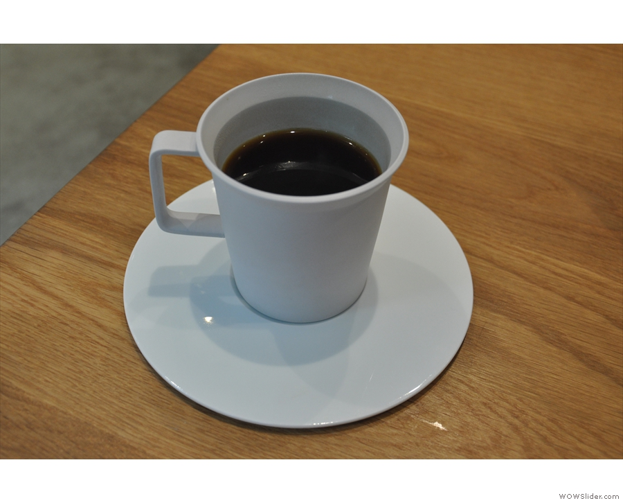 I went for the Kenyan AA in the end, which was presented in this striking, white cup.