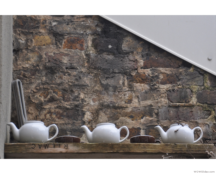 Nice use of tea pots.