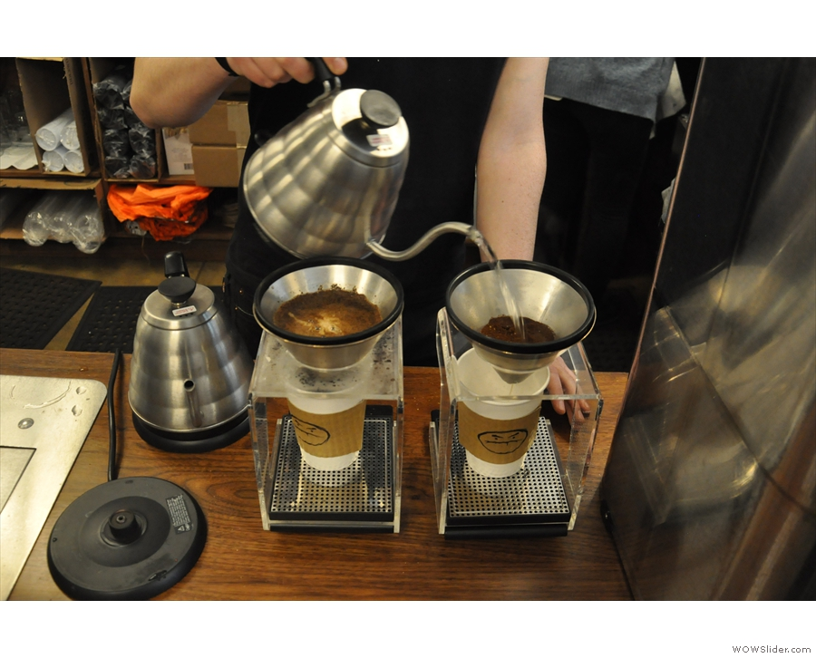 Café Grumpy uses Kone filters, with 28g of coffee. The right-hand one is just starting off...