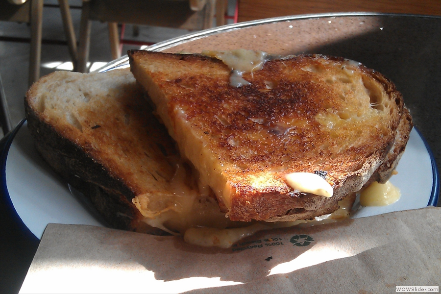 However, I leave you with this, the world's best cheese toastie! I'm not sure I'm qualified to make a judgement on that claim, but it was very good. Just looking at it now is making me hungry!