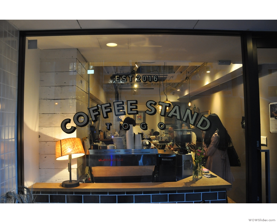 A recent addition to the Tokyo coffee scene, at first I thought it was just a to-go place...