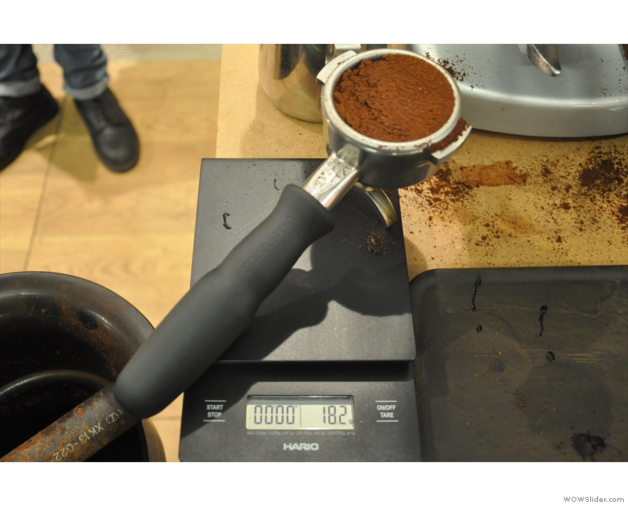 We're looking for 18.2g of ground coffee. Pretty much spot on!