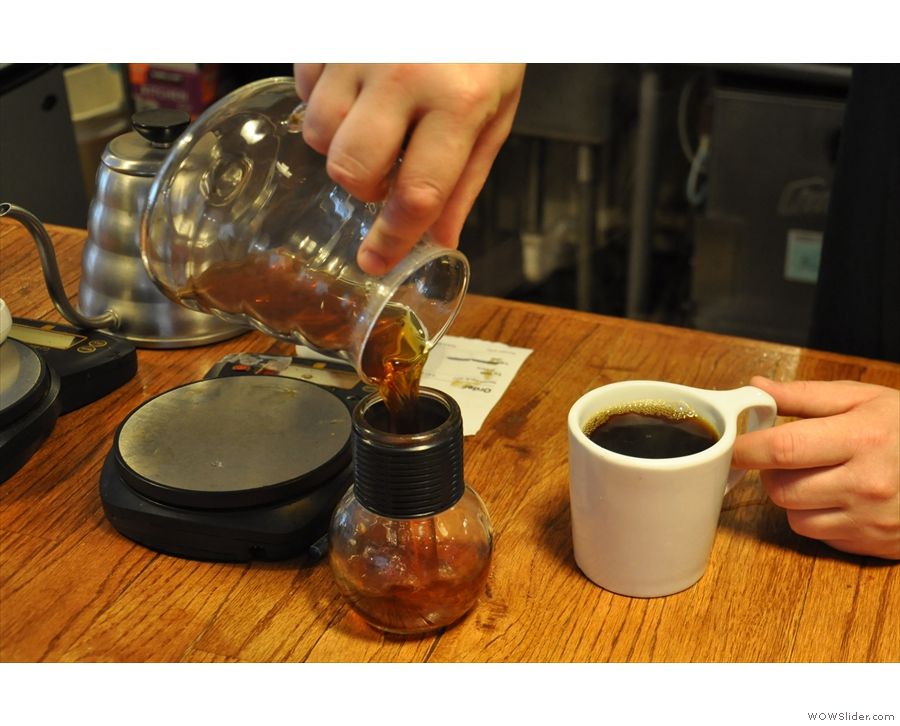 This isn't mine by the way. For the 12oz and 16oz options, what's left in the carafe...