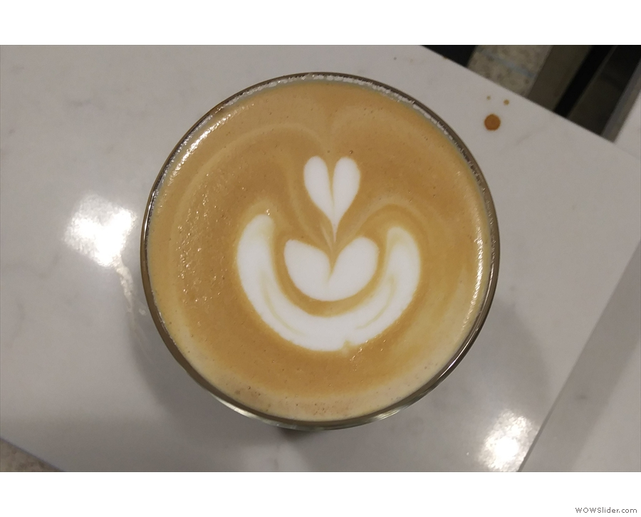 The latte art is worth a second look. It has a neat shading effect around the edge.