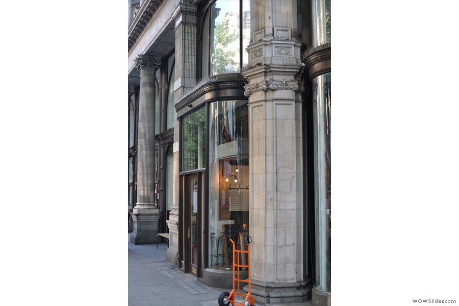 FreeState Coffee, on Southampton Row, is not easy to photograph, thanks to a big hole immediately in front of it, courtesy of Crossrail. This was the best I could do.