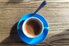 A very well-rounded coffee, it looked resplendent in its blue cup.