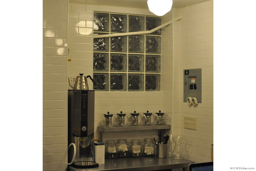 There's even a separate brew bar for the tea. Actually, that's a good idea: keep it away from the coffee!