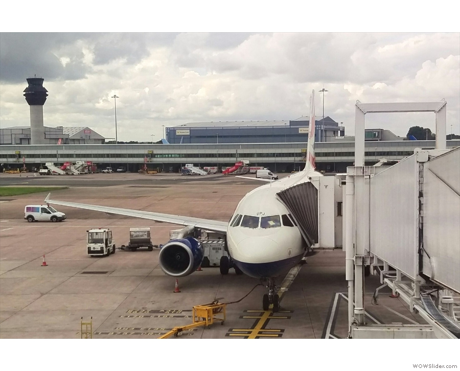 Flying to Chicago, step 1: my Airbus A319 to take me from Manchester to Heathrow.