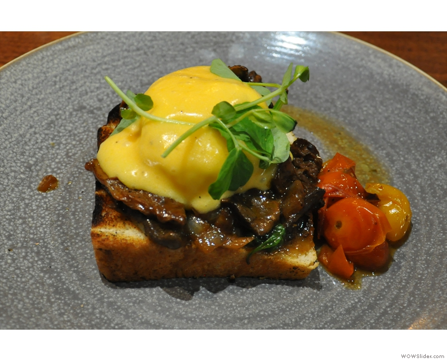 I had the Morel Mushroom Florentine, an interesting twist on Eggs Florentine.