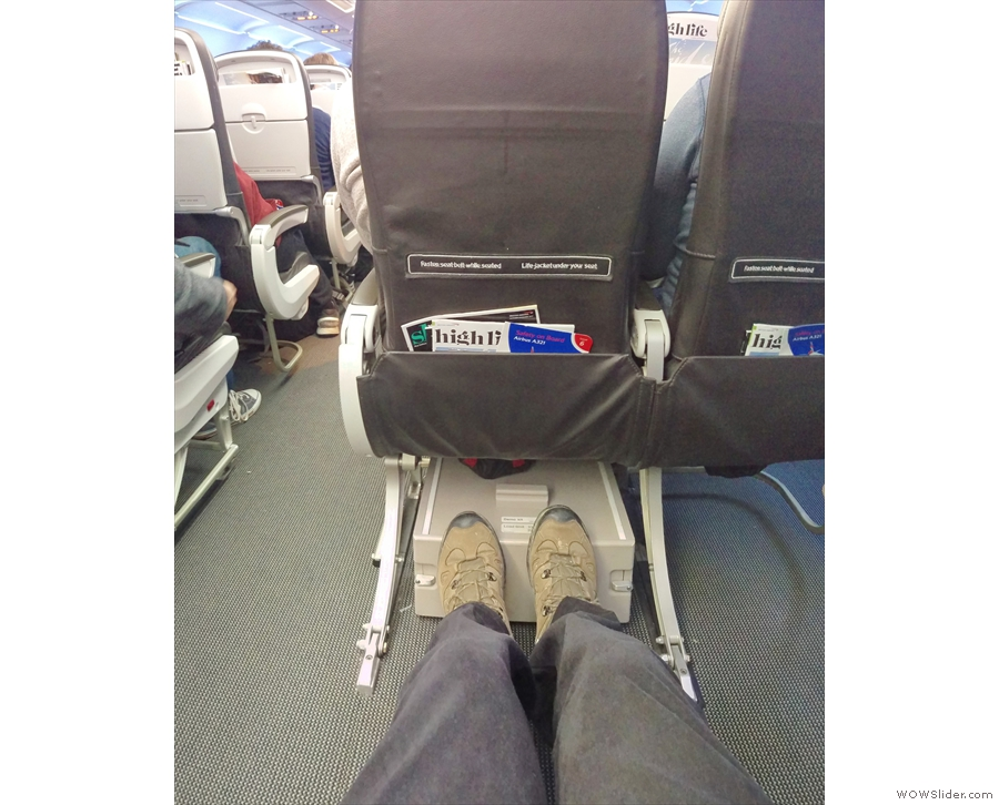 Behold my legroom! I like this seat!