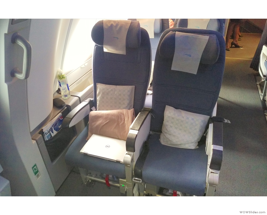 I had the aisle seat of this pair, having grabbed my usual exit row seat.
