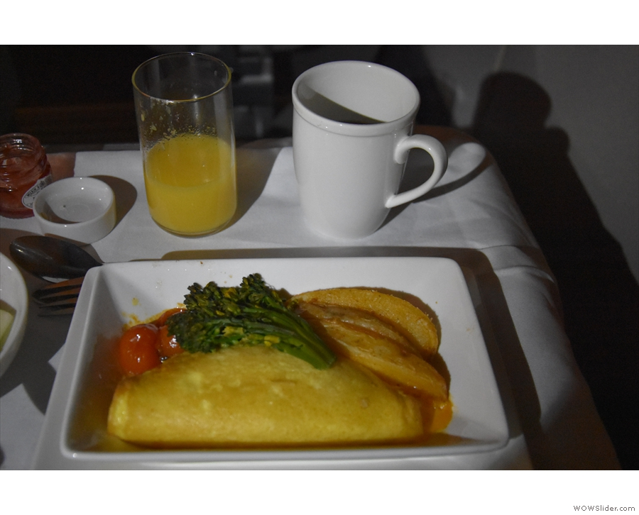 ... followed by a very fine spinach omelette. I even tried the coffee (it was okay-ish).