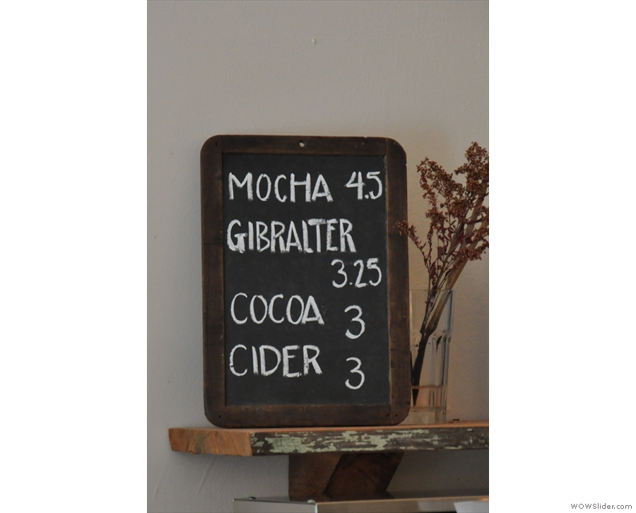 Additional options on the side: Gibralter = Cortado.