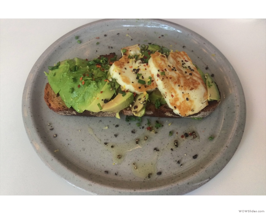 On a previous visit (two years ago!) I had avocado and halloumi on sourdough toast)...