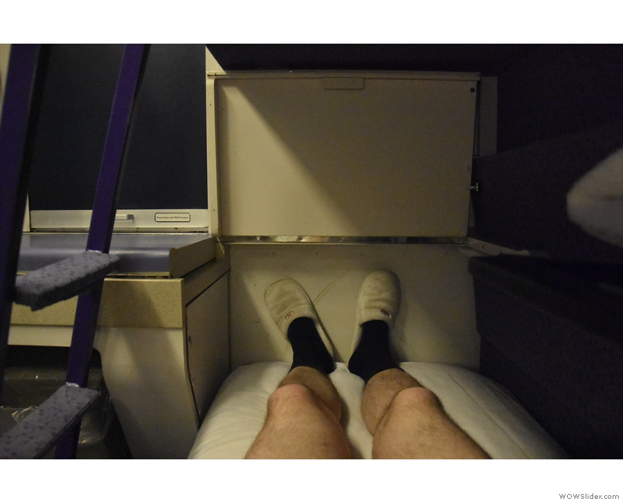So, to bed. The bunks are nice and long. I had no problem lying flat. Excuse the knees.