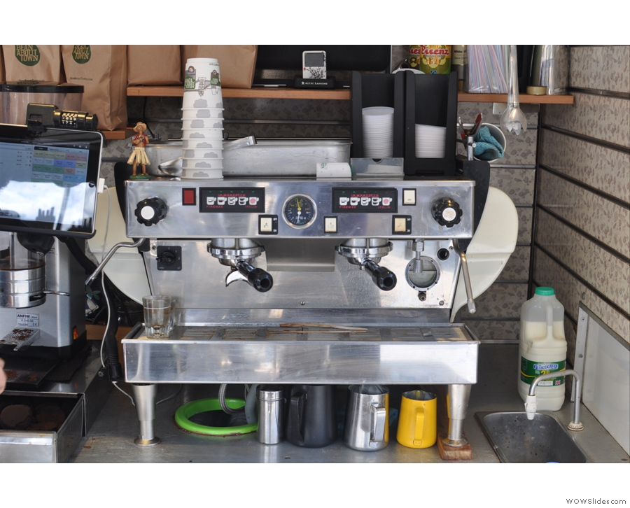 The Lamarzocco, ready for action, although Rory, true barista that he is, confided that he wanted to get his lever machine back! Gives him more control.