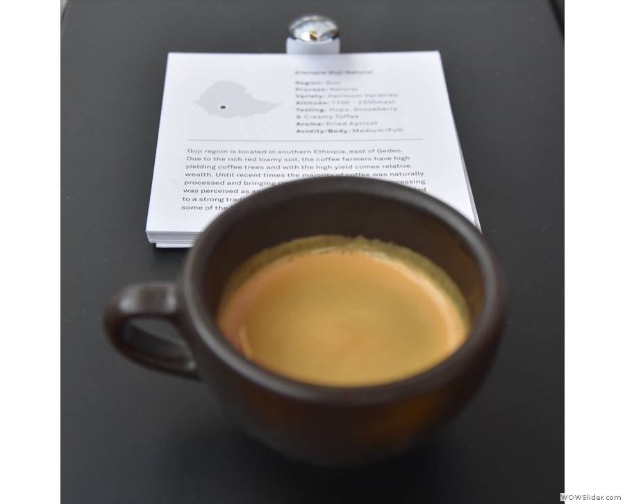... selecting the more adventurous option, the Ethiopian Guji, for my Kaffeeform cup.