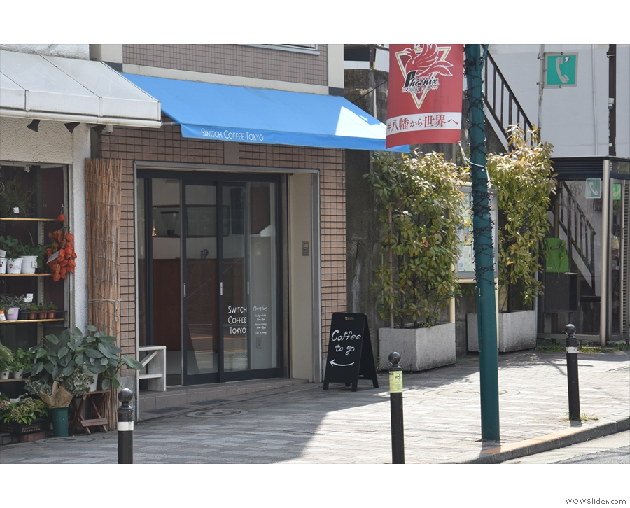 Near Yoyogi-Hachiman station in Toikyo, there's a new branch of Switch Coffee Tokyo.