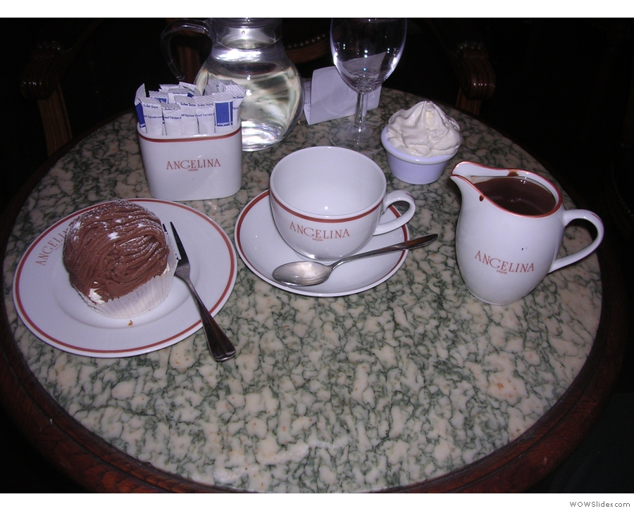 You know what I was saying about the hot chocolate? Here's one, and a Mont Blanc, from 2009...