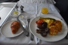 My hot breakfast arrived...