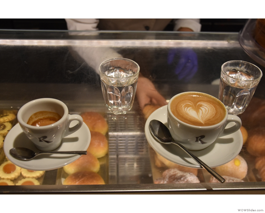 We also tried the African blend, with Amanda having a cappuccino.
