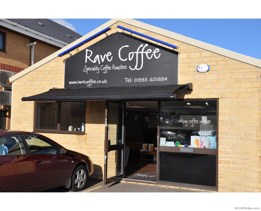 Rave Coffee: looks very promising from the outside!