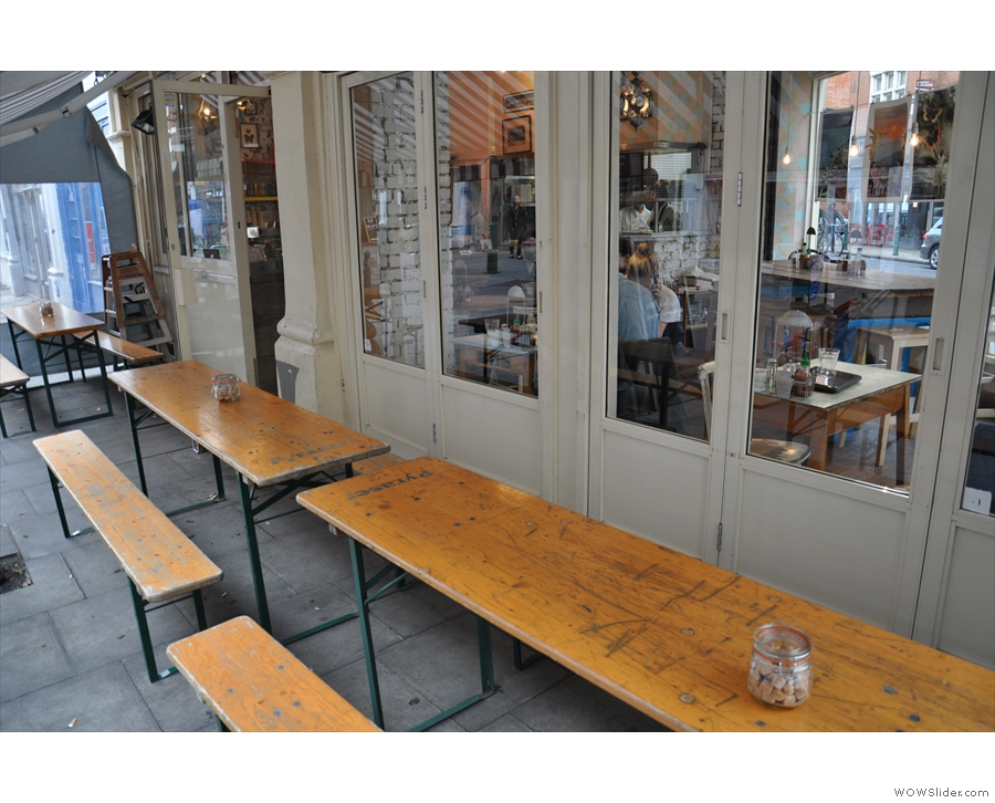 The outside seating on Hildreth Street.