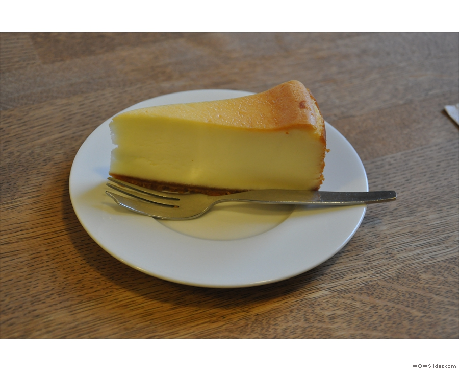 And a delicious slice of baked cheesecake.