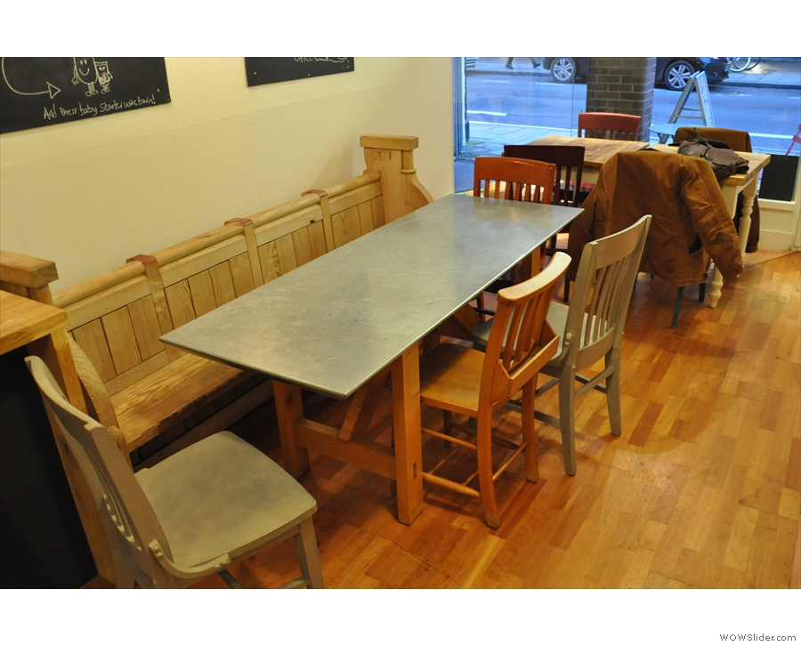 The larger tables are on the right-hand side (here seen from the back).