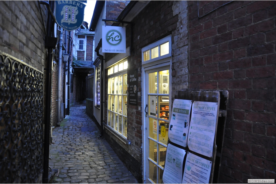 Hiding down an alley in the centre of Leighton Buzzard, you will find The House of Coffee