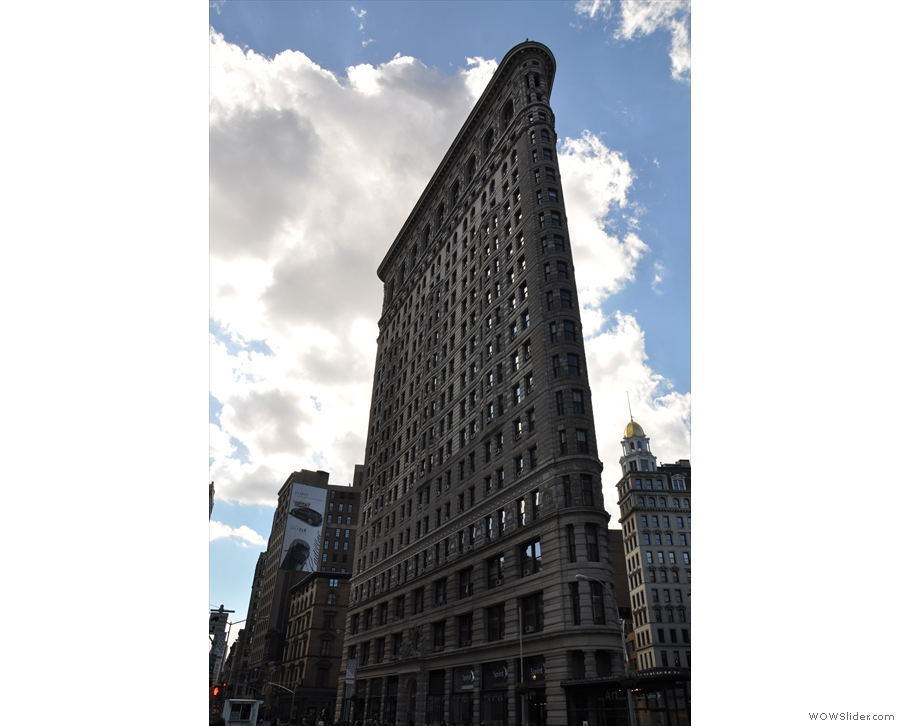 I can't leave you without a picture of the nearby Flatiron building.