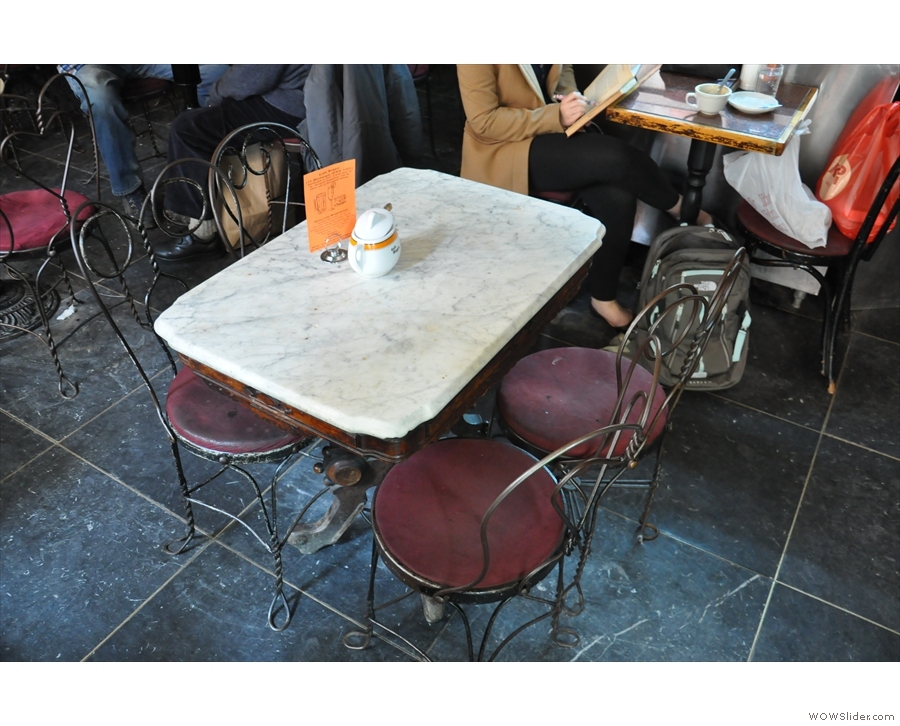 A typical Caffe Reggio table.