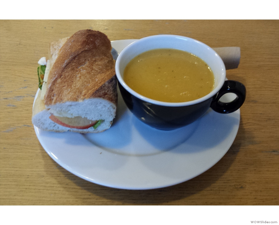I returned in November, when I went all savoury with soup & a sandwich for lunch.