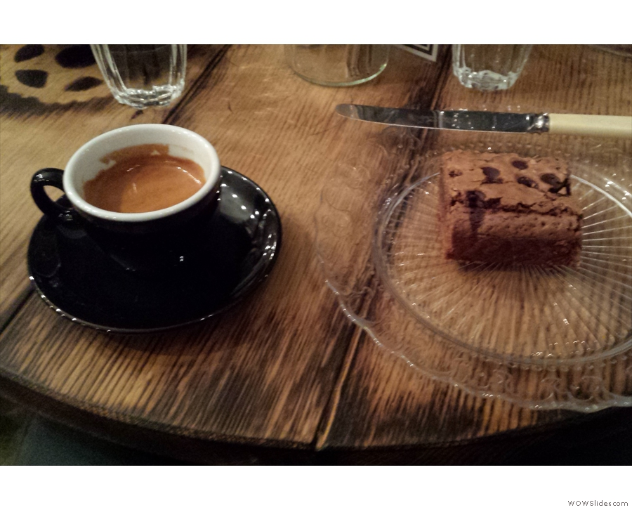 This time I had the Velo blend as an espresso, with a brownie.