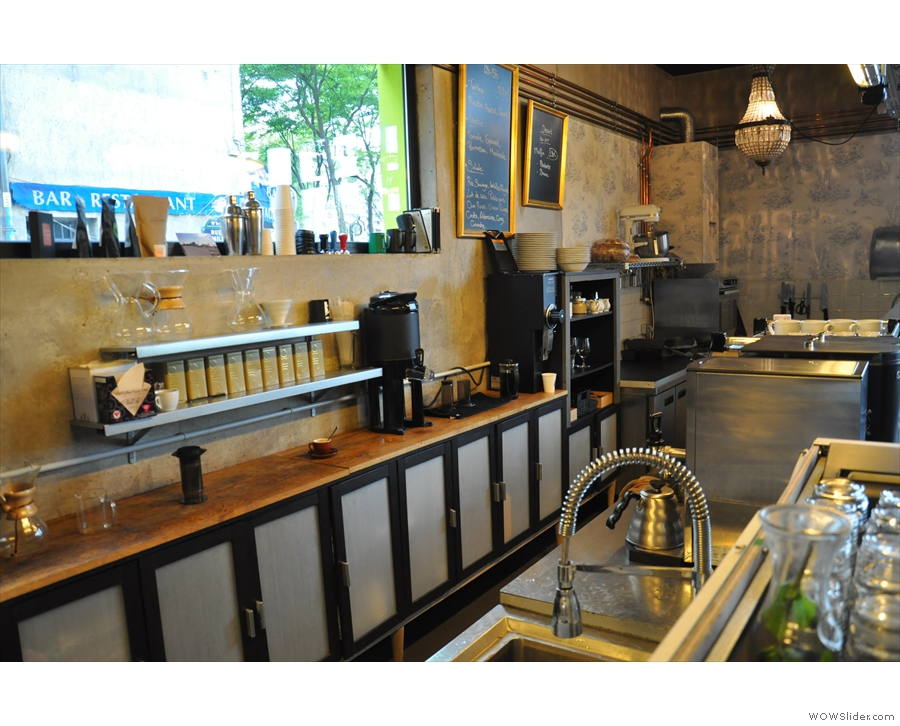 Even the working area behind the counter is uncluttered and clean!