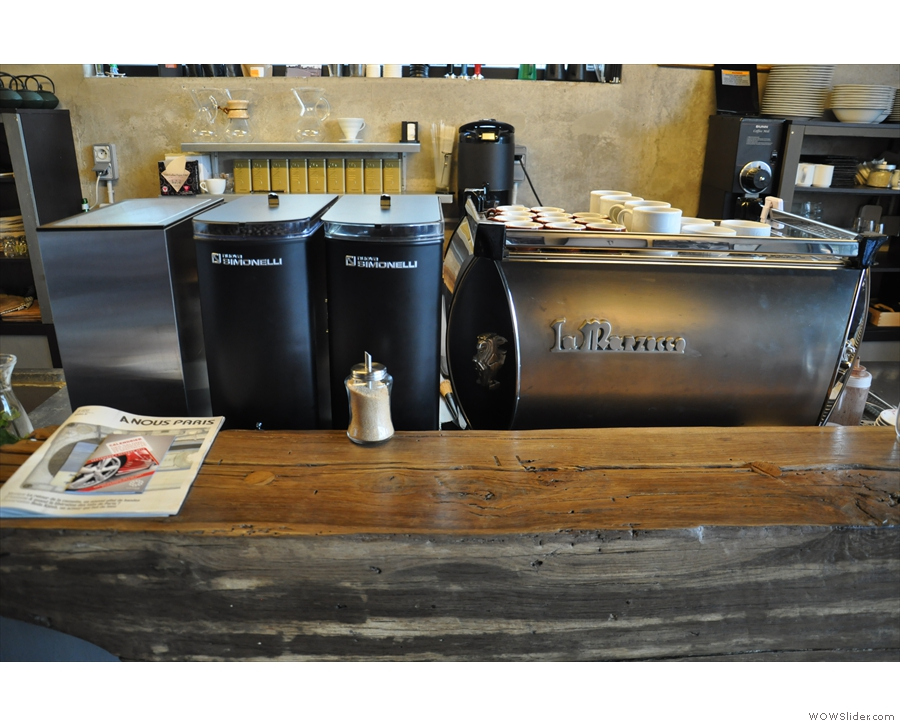 So, to business: the espresso machine and its grinders...