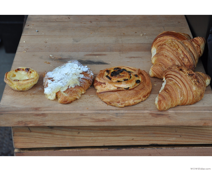 It was a bit of a thin pickings day cake/pastry-wise when I was there in February.