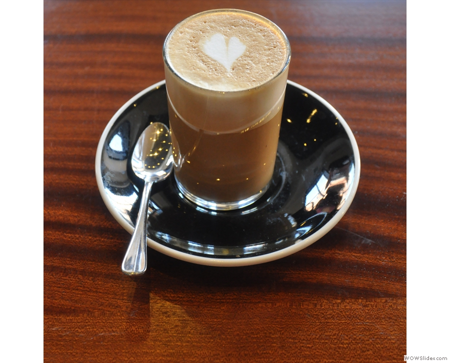 In the end, I went for the decaf, which I had as a derringer (cortado to you and me)...