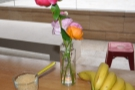 Very Beany: fresh flowers and bananas on the tables.
