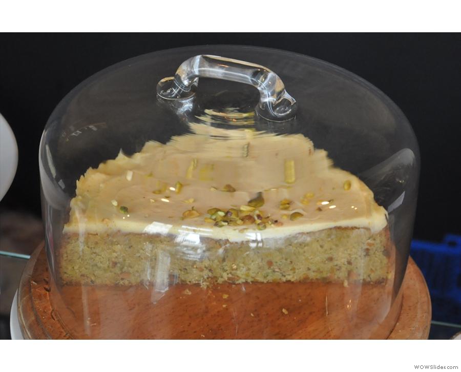 Orange blossom and pistachio cake with mascarpone icing